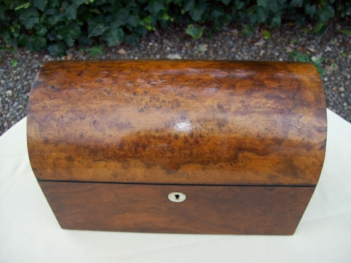 A Victorian Burr Walnut Tea Caddy