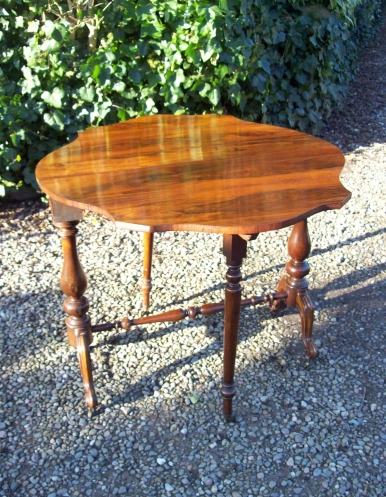 Rosewood Sutherland Table