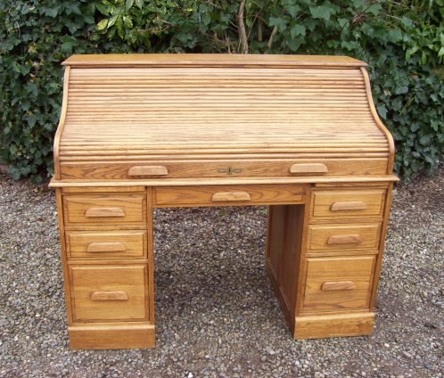 Oak Roll Top Desk -SOLD-