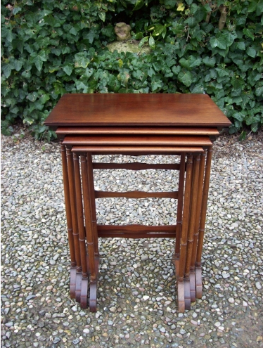 Mahogany Quartetto Nest of Tables