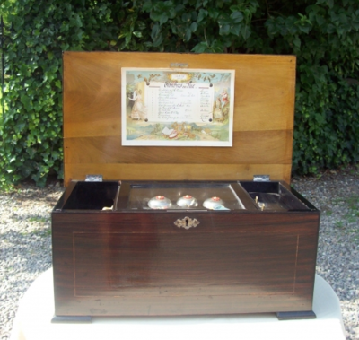 A 12 Air Rosewood Music Box